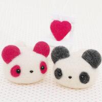 Hamanaka Needle Felting Kit - Nakayoshi Pandas