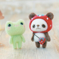 Hamanaka Needle Felting Kit - Strawberry Hat Panda & Frog